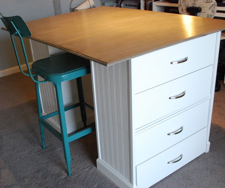Diy Craft Room Table: A DIY Sewing Room