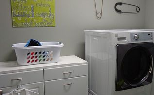 laundry room fun, crafts, home decor, laundry rooms, Adorable wall art in the laundry room