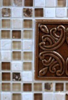 diy kitchen back splash the easy way, diy, kitchen backsplash, kitchen design, tiling, Close up shot of grouted tile with medallion