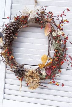 bittersweet projects, crafts, seasonal holiday decor, wreaths