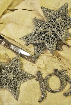 dollar store sparkle star garland 2 and 10 minutes, crafts, seasonal holiday decor