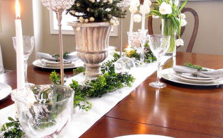 green white and silver christmas tablescape, christmas decorations, seasonal holiday decor