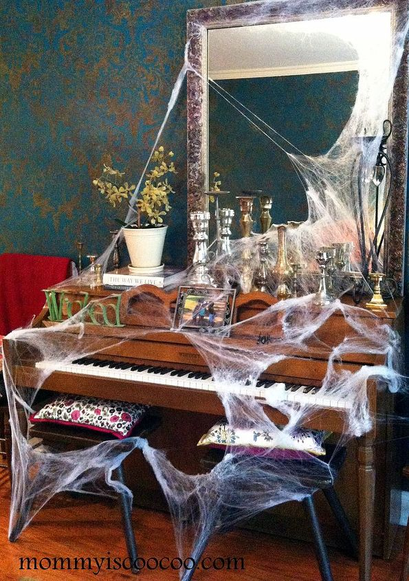 10 fun and really inexpensive halloween decorating ideas crafts halloween decorations seasonal holiday