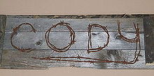 pallet and barb wire project, crafts, pallet, pallet and barb wire project