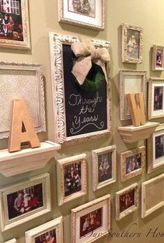 gallery wall santa photos, chalk paint, home decor, wall decor