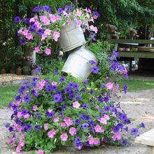 tipsy bucket tower, diy, flowers, gardening, how to