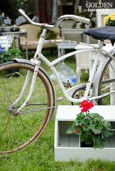 so you want to know more about lucketts spring market, repurposing upcycling, This bicycle is just too cute I wanted to buy it and take it for a ride right then and there