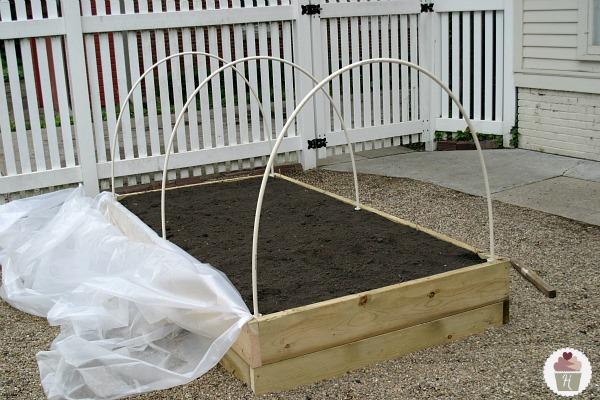 Http Hoosierhomemade Com How To Make A Raised Garden Bed Cover