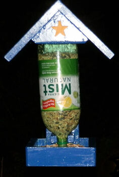 bird feeder, gardening, Two liter bottle that lasts about four days using sunflower seeds