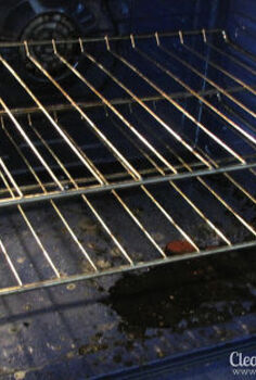 how to safely clean an oven, appliances, cleaning tips, My oven was already in need of a cleaning and then I dumped some vanilla all over the bottom If you place a tbsp of vanilla in the oven for 20 minutes it makes the kitchen smell wonderful just don t spill it