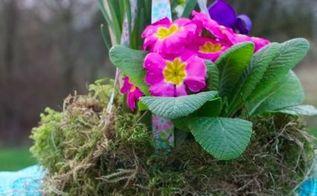 easter bonnet hanging basket, crafts, easter decorations, seasonal holiday decor, Easter Bonnet Hanging Basket