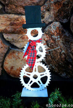 sprocket spoke snowman, repurposing upcycling, seasonal holiday decor