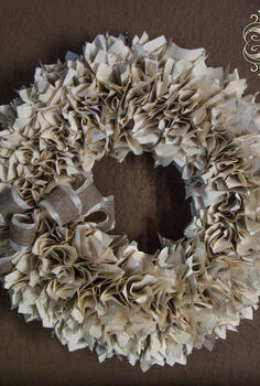 a well read wreath, crafts, repurposing upcycling, seasonal holiday decor, wreaths, Old worn books are fun to use in a variety of ways