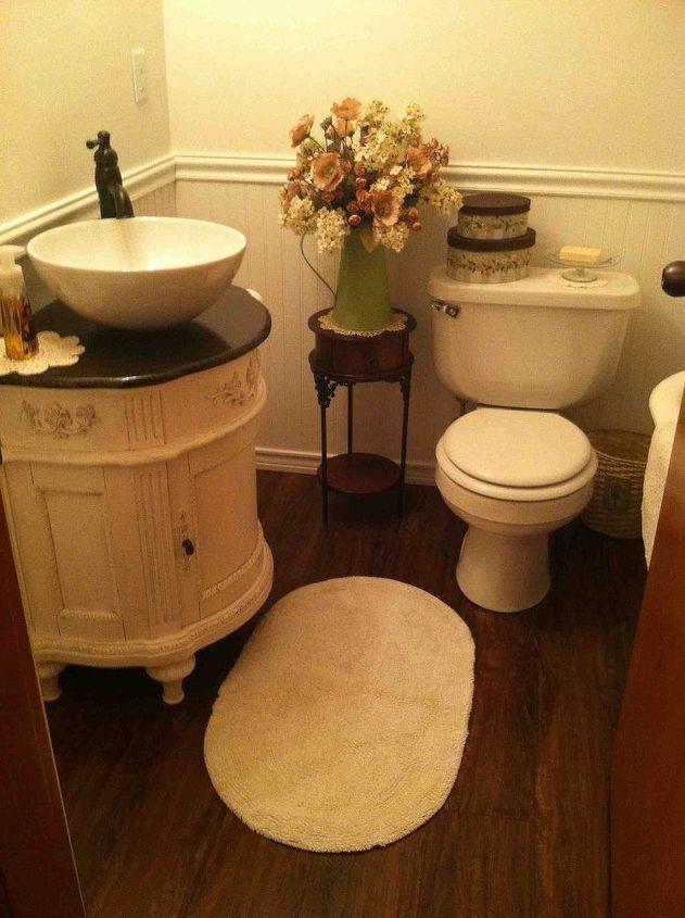 Small Vintage Bathroom | Hometalk