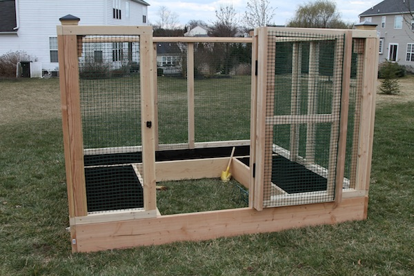 Diy raised bed garden enclosure hometalk for Enclosed vegetable garden designs