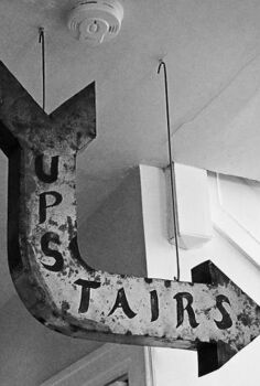 upstairs anyone how to make a metal arrow look like a vintage sign, crafts