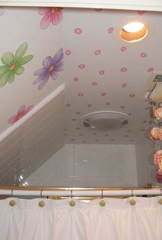 make a small girls shower fun by using wallpaper it is fast amp inexpensive, bathroom ideas, home decor, wall decor, Kisses on the ceiling