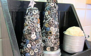 grubby button christmas tree project, christmas decorations, crafts, repurposing upcycling, seasonal holiday decor, The trees have a tin star on top and vintage individual jello mold rings under them