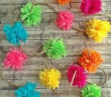 make a pom pom garland using a kitchen fork, crafts