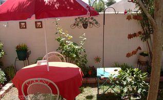 outdoor sitting area, outdoor living