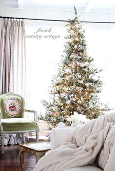 silver amp gold christmas tree, living room ideas, seasonal holiday decor
