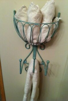 recycled hose holder to towel rack for my small bathroom, bathroom ideas, home decor, repurposing upcycling, small bathroom ideas, Another view When I have multiple guests I add additional hand towels
