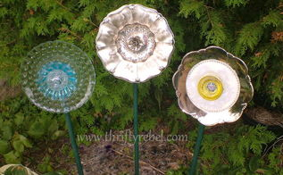 setting the garden with flower plates, crafts, flowers, gardening, repurposing upcycling