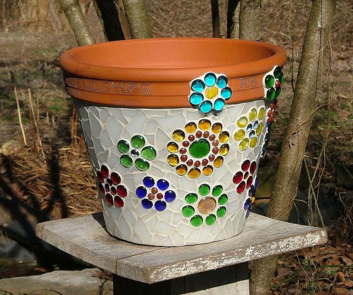 Mosaic flower pot made from stained glass and glass beads for Design patterns for pot painting