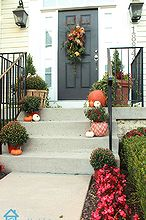 fall front porch, gardening, seasonal holiday decor
