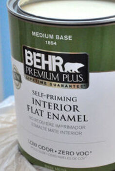 painting with a pro, painting, Larry doesn t always use Behr brand paint In fact his favorite brand is Sherwin Williams However This Behr interior flat enamel covered great and looks terrific