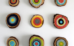 diy painted tree rings, crafts, home decor, mason jars, painting, To achieve this look I used a mason jar lid to trace the outer circle then free handed the other circles