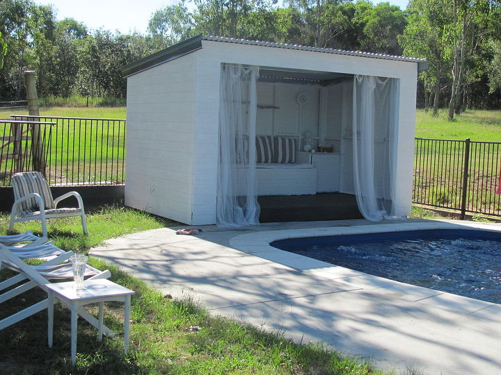Pool cabana hometalk for Outdoor pool cabana