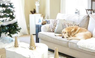 white christmas living room, christmas decorations, home decor, living room ideas, seasonal holiday decor