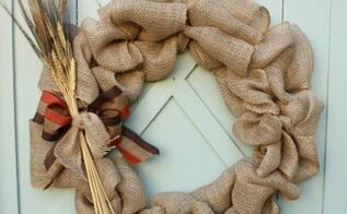 how to make a burlap wreath with step by step bow making directions, crafts, seasonal holiday decor, wreaths, This wreath can be made in just a few minutes