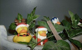 christmas vignettes, bathroom ideas, seasonal holiday d cor