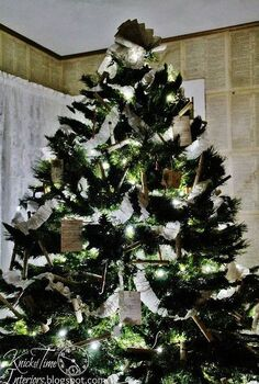 an old fashioned christmas tree, seasonal holiday d cor, A Vintage Style Christmas Tree with NO breakable ornaments for about 2