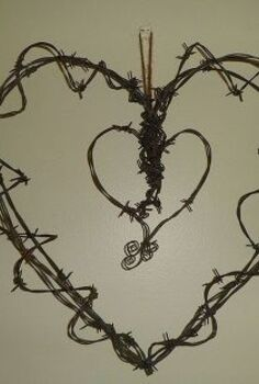 went a little barbed wire crazy and made these, crafts, My first attempt at creating something from barbed wire
