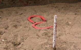 how to build a horseshoe pit, diy, outdoor living