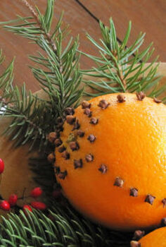 how to make your home smell like christmas, christmas decorations, seasonal holiday decor, Cloved oranges are traditional holiday decor and they smell great