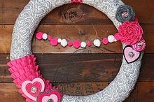 hot pink amp gray valentine s day wreath, crafts, seasonal holiday decor, valentines day ideas, wreaths, Pretty
