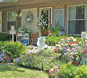 Nice Vintage Summer Garden, Flowers, Gardening, Outdoor Living, Repurposing  Upcycling, Well There