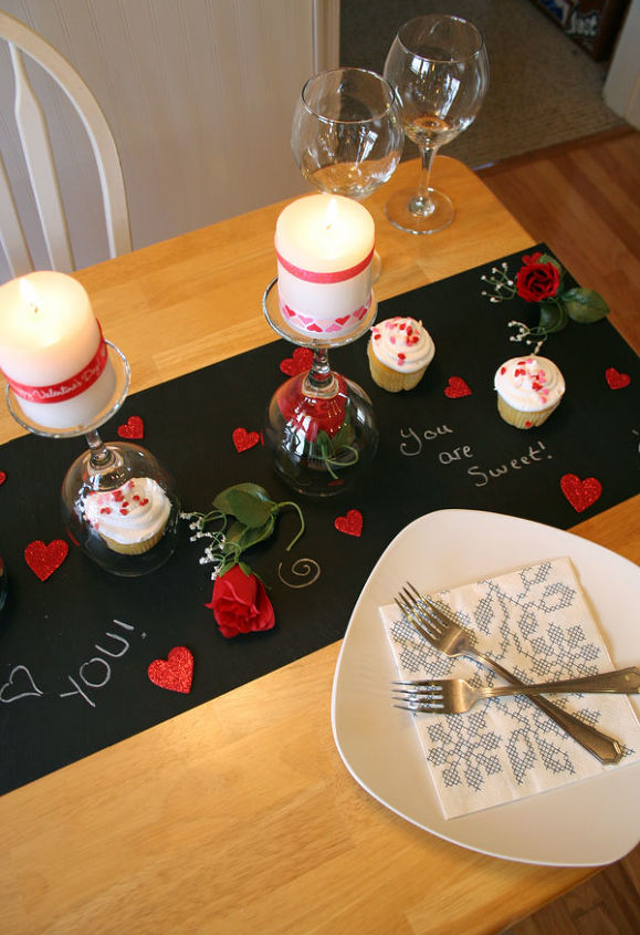 Diy valentine 39 s day table hometalk for Table 52 valentine s day