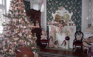i love decorating our 1895 queen anne victorian for christmas with 12 trees, christmas decorations, seasonal holiday decor, wreaths, Front parlor tree my favorite