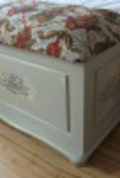 how to upcycle an old blanket box with some french vintage chic