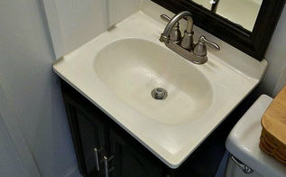 i painted the bathroom sink, bathroom ideas, home decor, painting, Bathroom Sink After