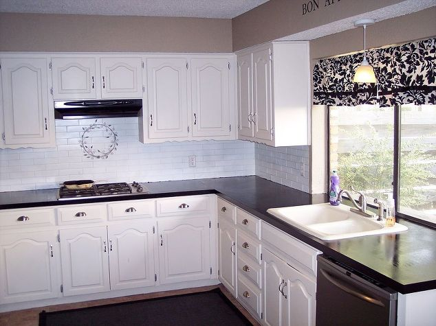 Rustoleum Countertop Paint Drying Time : chalkboard countertops, chalkboard paint, countertops, diy, how to ...
