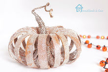 a recycled pumpkin, crafts, repurposing upcycling, seasonal holiday decor
