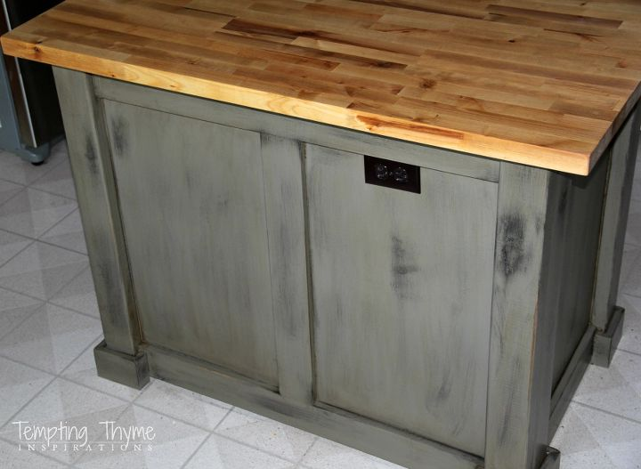 As the legs were exceeded the existing countertop, we swapped it out ...