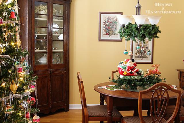 Vintage Dining Room Decorating Ideas: Fun, Retro Christmas Dining Room Tour