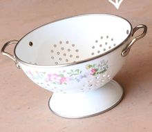 old colander succulent planter, flowers, gardening, painting, repurposing upcycling, succulents